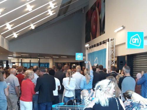 Gouda Goverwelle - Winkelcentrum - En hij is weer open (Albert Heijn)