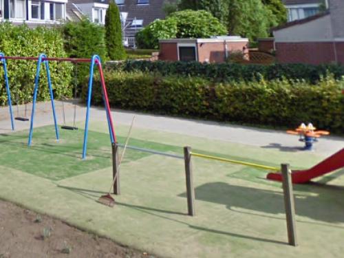 Gouda Goverwelle - Wijkteam - Gemeente gaat versleten valondergronden in een aantal speeltuinen vervangen.